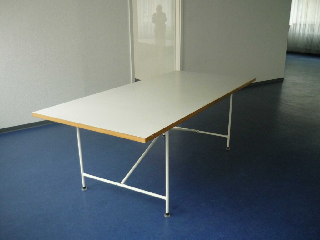 tisch bestehend aus original egon eiermann tischgestell ma e. Black Bedroom Furniture Sets. Home Design Ideas